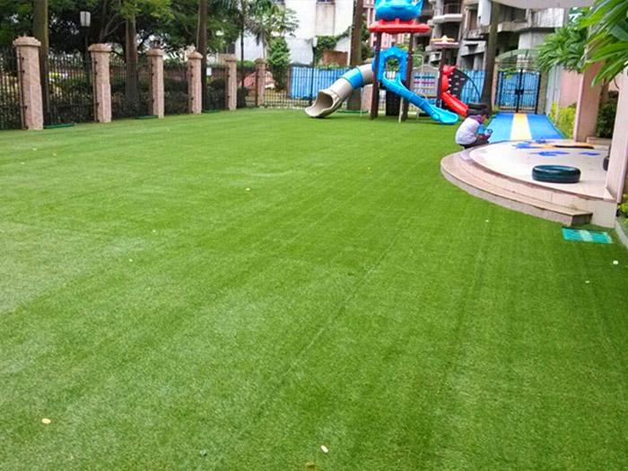 幼儿园人造草坪施工效果图
