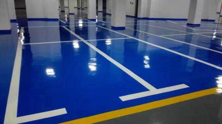 在宁夏环氧地坪漆施工时,对基面有何要求?