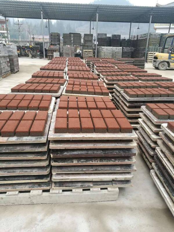 陶瓷路面砖仓库照片