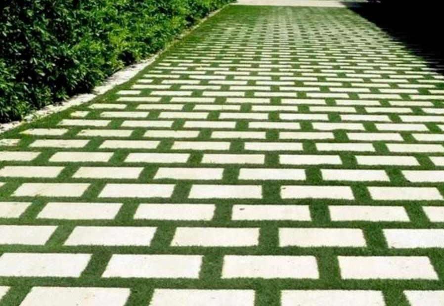 美观装饰性极好的植草砖在景观设计中的应用