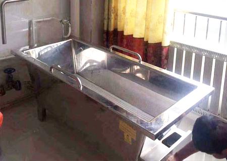 为青海省治多县藏医院提供药浴成套设备