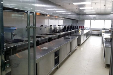 蘭州廚房設備油煙凈化器排煙管道該如何清理