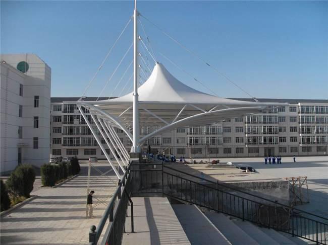四川体育场看台膜结构安装