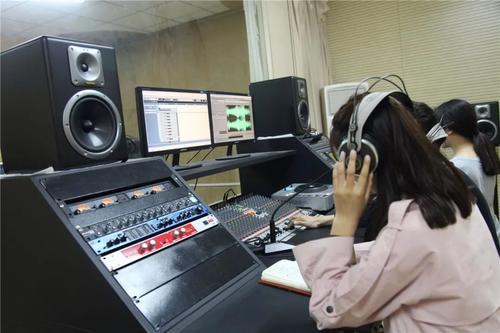 播音支持专业出来的艺考生可以带给自己哪些特有的魅力