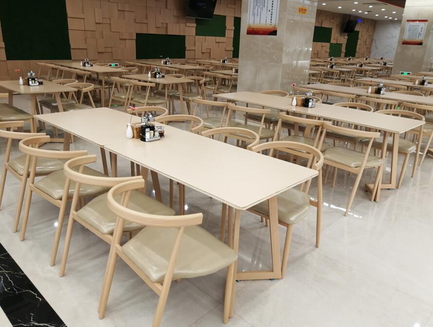 长庆大厦某商场就餐桌椅