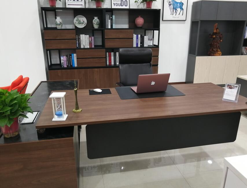 西安办公桌厂家