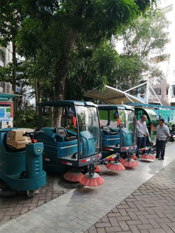 洁驰系列洗地机、扫地机服务宜宾学院校园