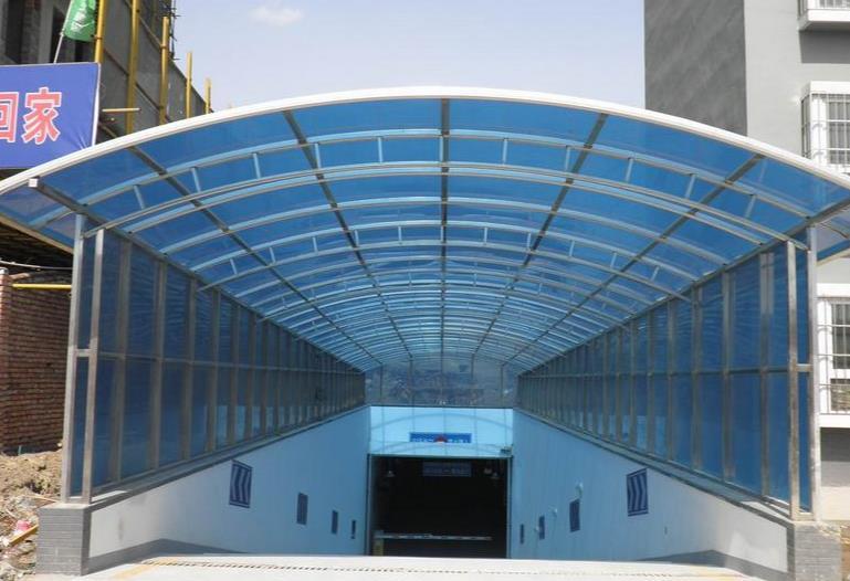 兰州市停车场阳光板雨棚的使用