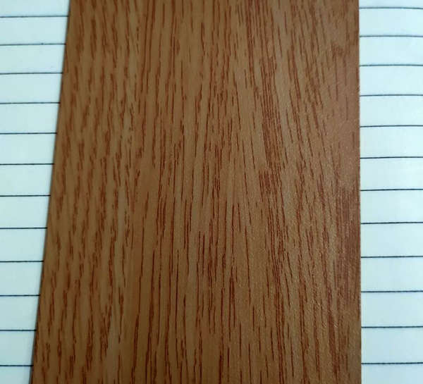 您知道仿木纹铝单板上的木纹是如何制成的吗?仿木纹铝单板的生产方法