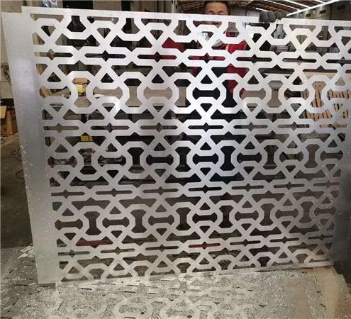 霖锋幕墙带你来了解穿孔铝单板的特性
