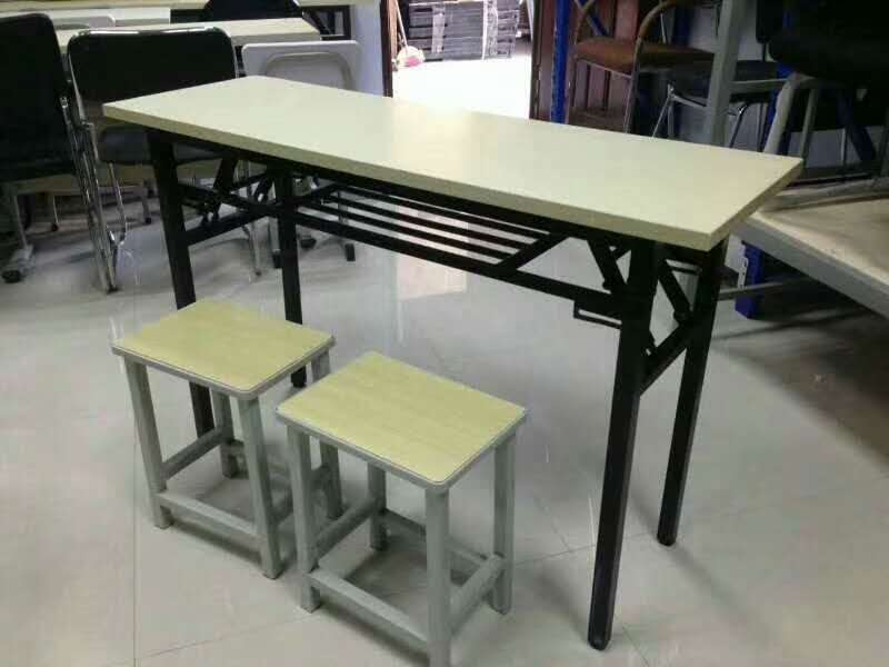 课桌椅批发