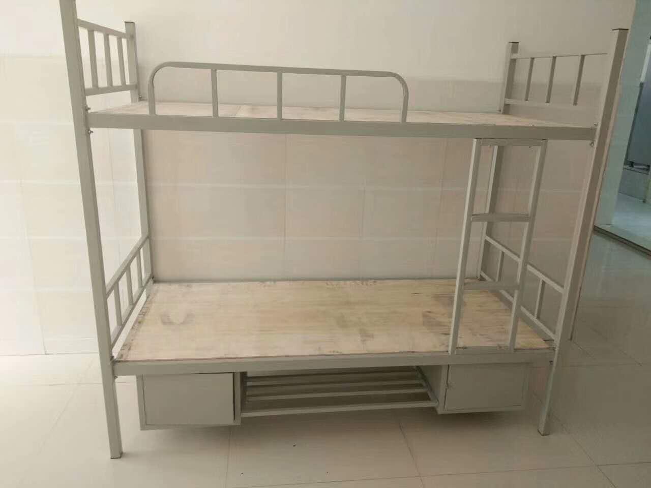 卡扣式拆装公寓床要比之前的螺栓连接公寓床安装又快又方便