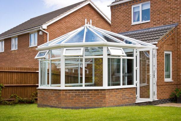 阳光房的推拉窗与平开窗有什么区别?