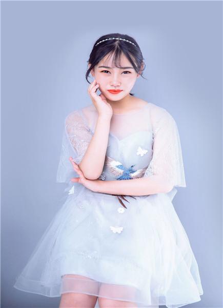 黎佳瑩/2018