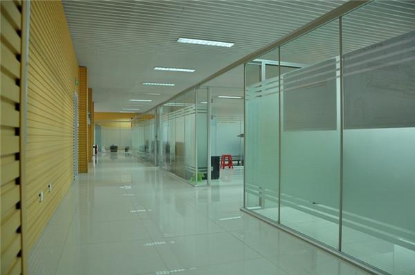 河南玻璃隔断设计