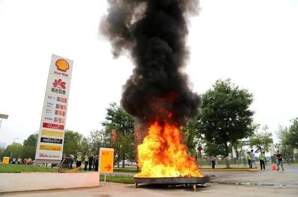 西安市沣东新城加油站提升消防培训演练