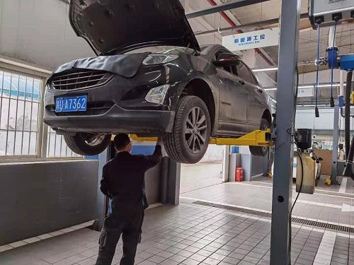 我公司对车辆进行检修保养