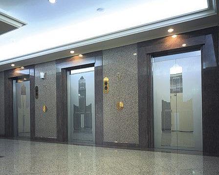 电梯滑梯、滑层、掉层都是电梯故障后自我保护!