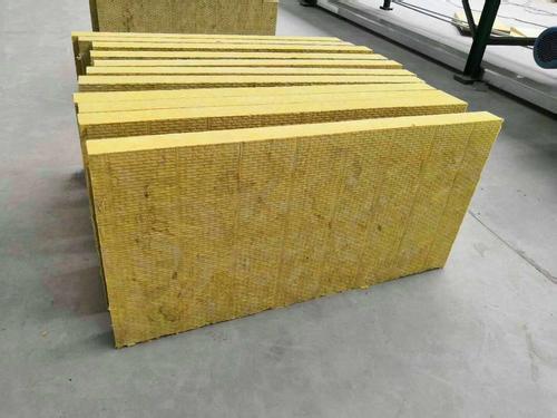 你知道用什么辦法來鑒別成都巖棉板的產品質量嗎?