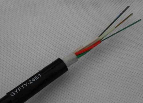 如何在光缆制造过程中保护光纤?
