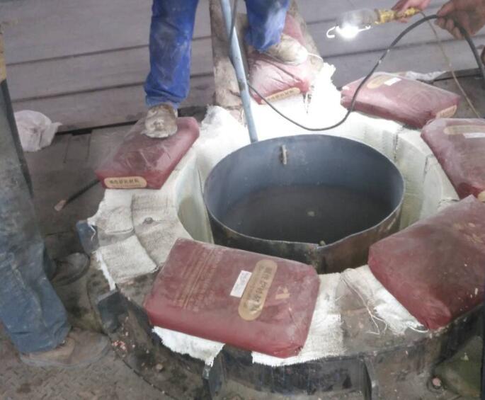 安耐捷厂家知识大放送:炉衬材料(捣打料)在打结过程中注意事项有哪些!