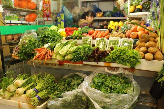 孟氏鴻園為開封菜農提供蔬菜銷售