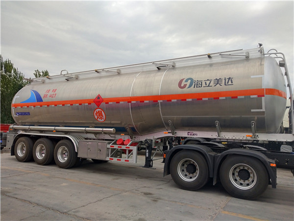 液体危险货物运输  液体货物罐装运输车队