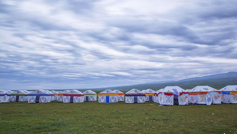 广东蒙古包厂家优化设计中在其基础上将蒙古包内部空间的保暖问题