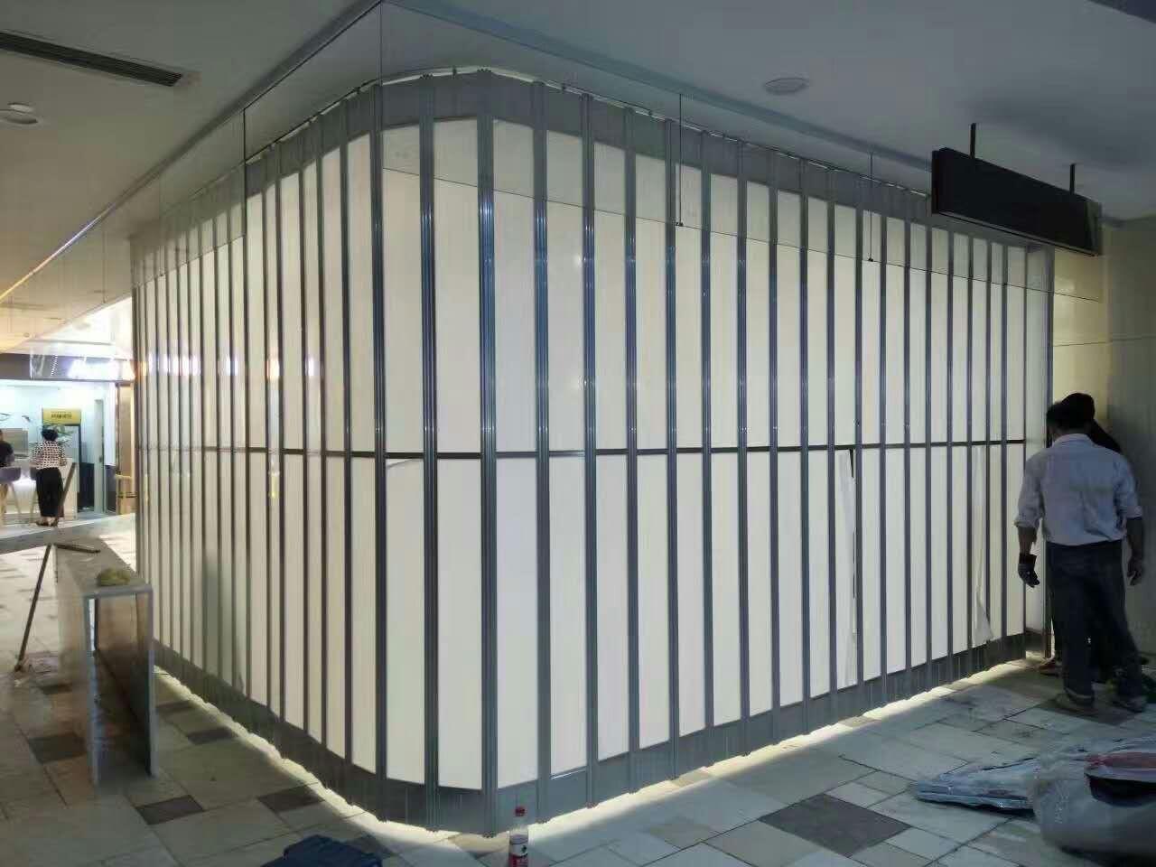 直角水晶折叠门
