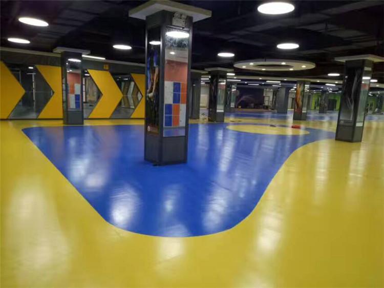 西安塑胶地板在西安明光路亚特健身会所投入使用