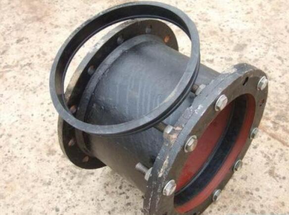 球墨鑄鐵管件—壓蘭接輪