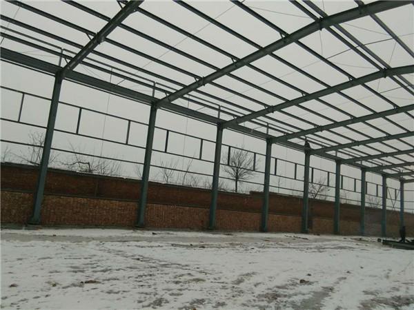 莱钢钢结构厂房施工