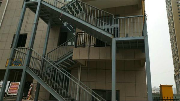 名京九合院钢结构楼梯
