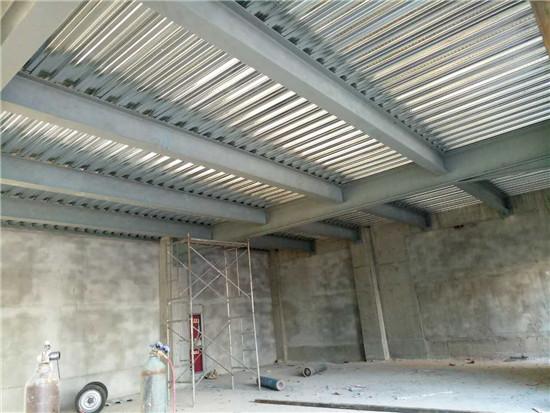 钢结构夹层构件运输与堆放