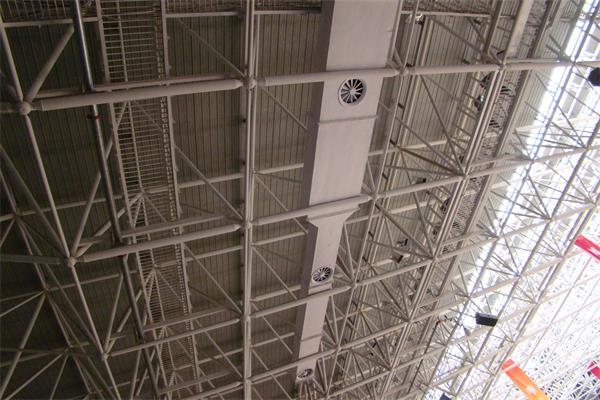 体育场馆的4-2318钢结构已施工完毕