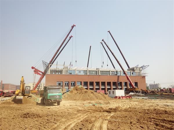 中学体育馆钢结构网架安装