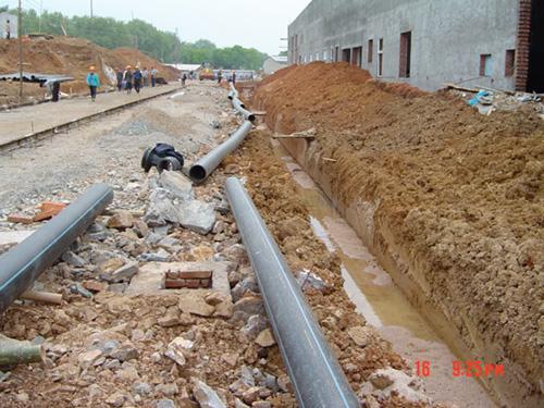 四川PE管生产公司展示自来水输送工程