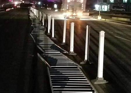 为兰州西高速路口提供市政护栏网安装工程
