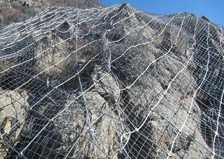 包塑边坡防护网