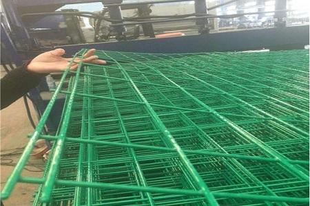 兰州镀锌护栏网具有哪些优点