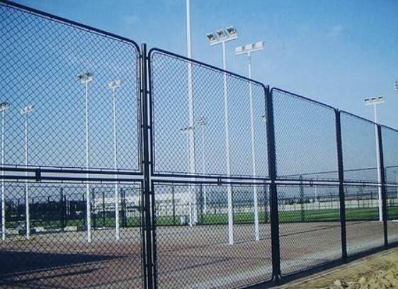 兰州体育场勾花护栏网多少钱一米