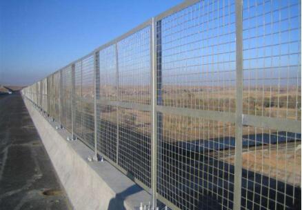 公路护栏网的表面处理方式
