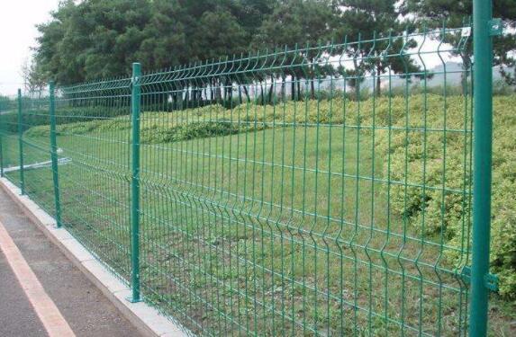 公路护栏的性能