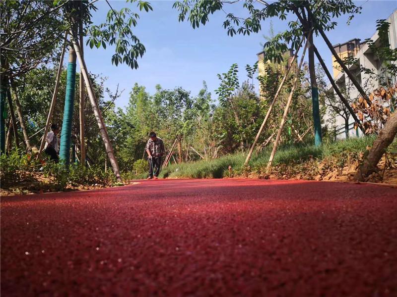 彩色透水混凝土路面关键技术——陕西庄周地坪材料有限公司