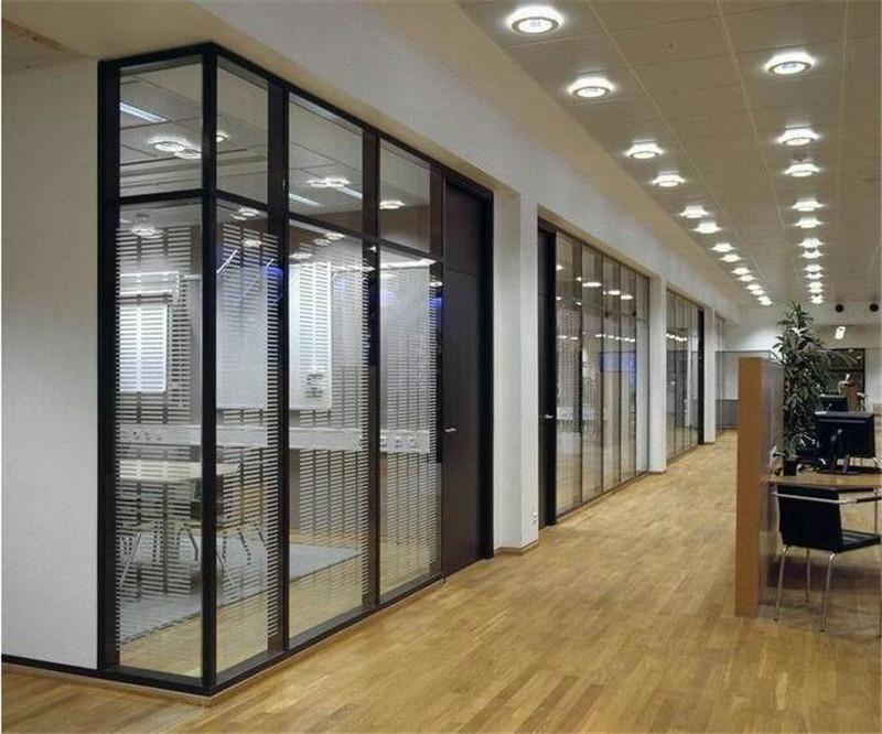 南阳办公隔断---玻璃隔断怎么清洁?