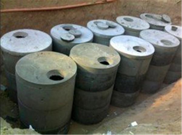 让我们来简单的了解一下预制钢筋混凝土化粪池的污泥的处置问题及其清洗问题