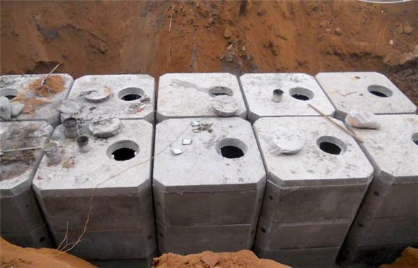 钢筋混凝土化粪池在性能方面有什么特点,对城市发展起到了什么作用