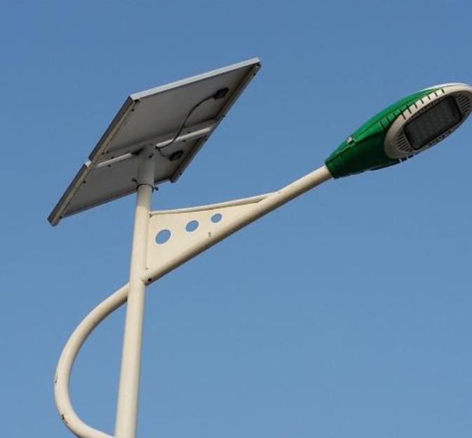 农村太阳能公路灯的清洗方法快来学习一下吧!
