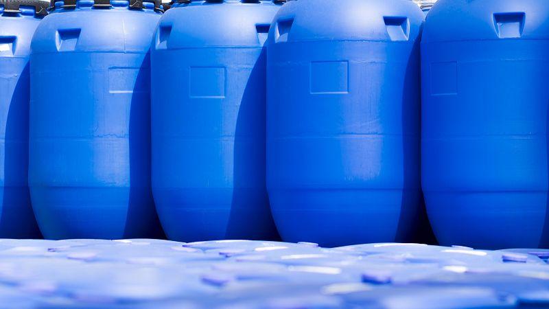 浅谈酸碱类成都清洗剂的局限性。