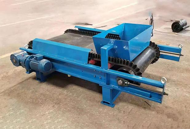 输送设备之小型皮带四川输送机解析